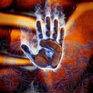 hand-sendinglove